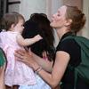 Uma Thurman, una tierna mamá que se deshace en mimos con sus hijos