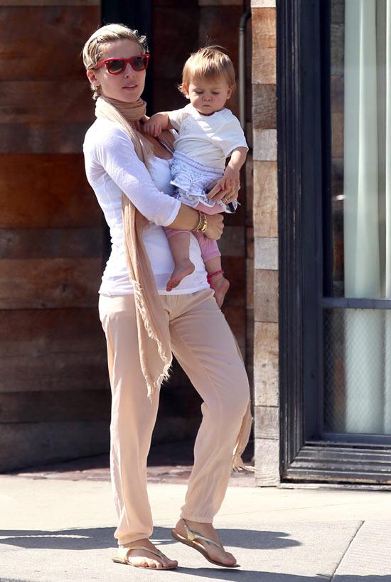 Elsa Pataky y su hija ...