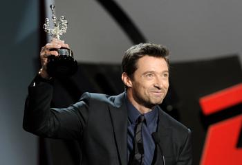 Hugh Jackman recibe emocionado el premio Donostia: 'Nunca olvidaré esta ciudad'