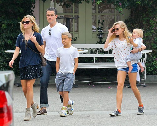 Encuentra Las Diferencias Entre Madre E Hija Reese Witherspoon Y Ava Phillipe