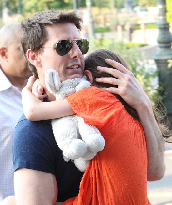 Tom Cruise niega que lleve cien días sin ver a su hija Suri