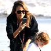 Jessica Alba captura instantes de felicidad junto a Cash Warren y sus dos hijas