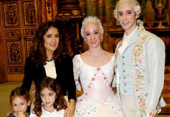 Salma Hayek y su hija Valentina, tarde chicas en el ballet