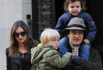 Orlando Bloom y Miranda Kerr, en familia y muy unidos por su hijo en Navidad