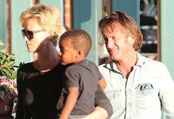 ¿Qué tiene Sean Penn que a todas enamora? Su última 'joya': Charlize Theron