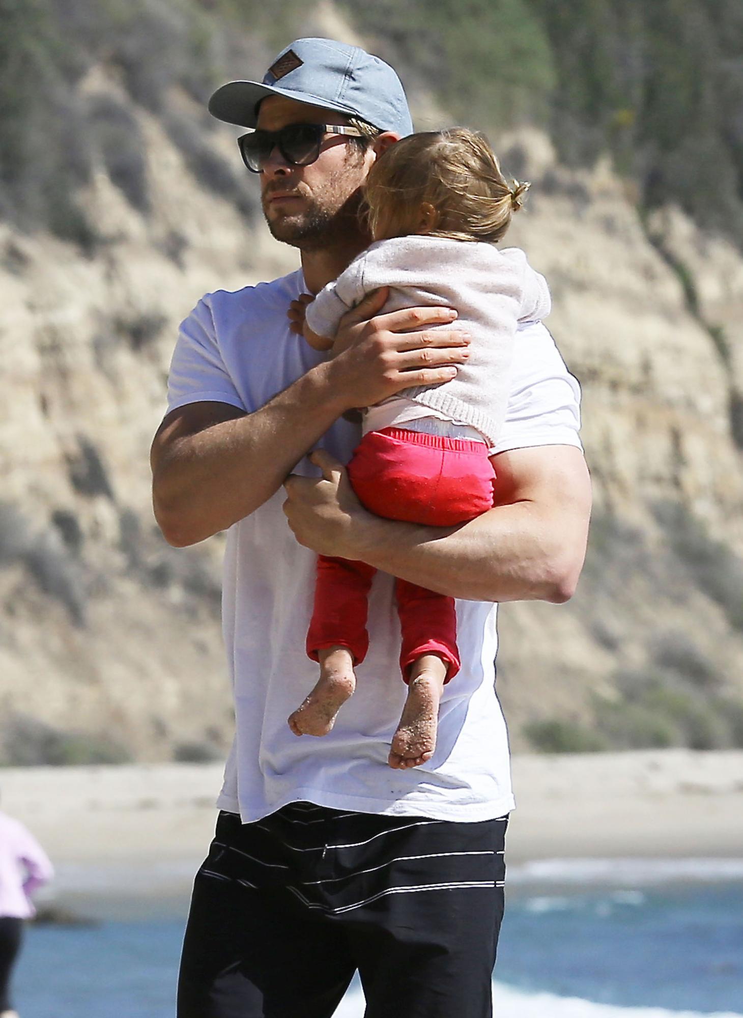 Chris Hemsworth, un guapo padrazo a punto de dar la bienvenida a sus mellizos