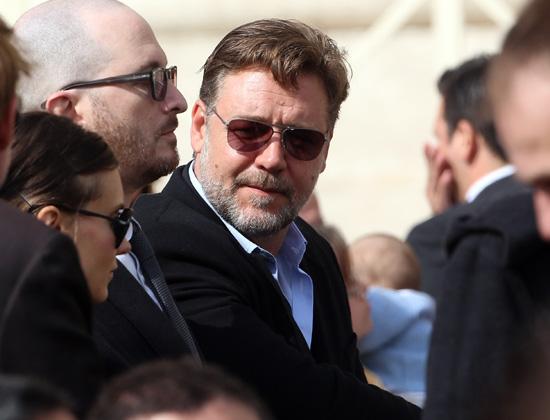 Russell Crowe acude a una audiencia del Papa en el Vaticano