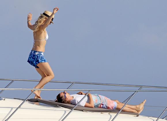 Kate Hudson y Matt Bellamy, sorprendidos en Ibiza