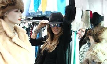 Sarah Jessica Parker, a la caza de 'gangas' en un mercadillo italiano