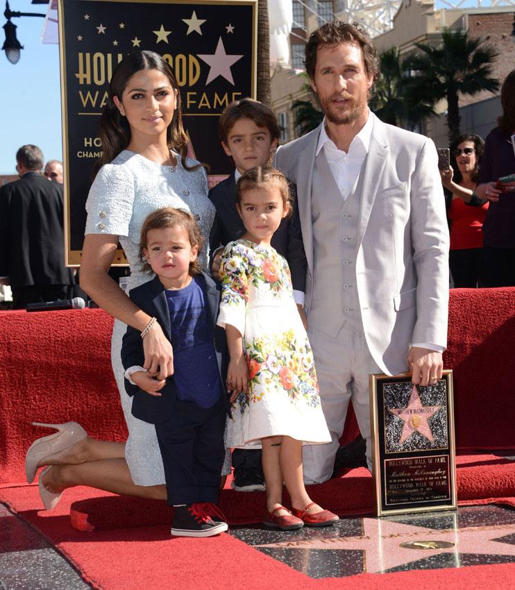 Los hijos de Matthew McConaughey, 'estrellas' junto a su padre en el Paseo de la Fama de Hollywood