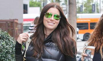 La bonita sonrisa de Jessica Biel ante ¿su próxima maternidad?