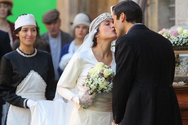 El beso de Adriana Ugarte tras el 'sí, quiero' en pantalla