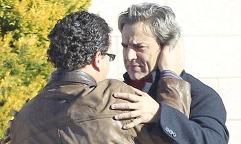 Alberto San Juan dice adiós a su padre rodeado de amigos y compañeros de profesión