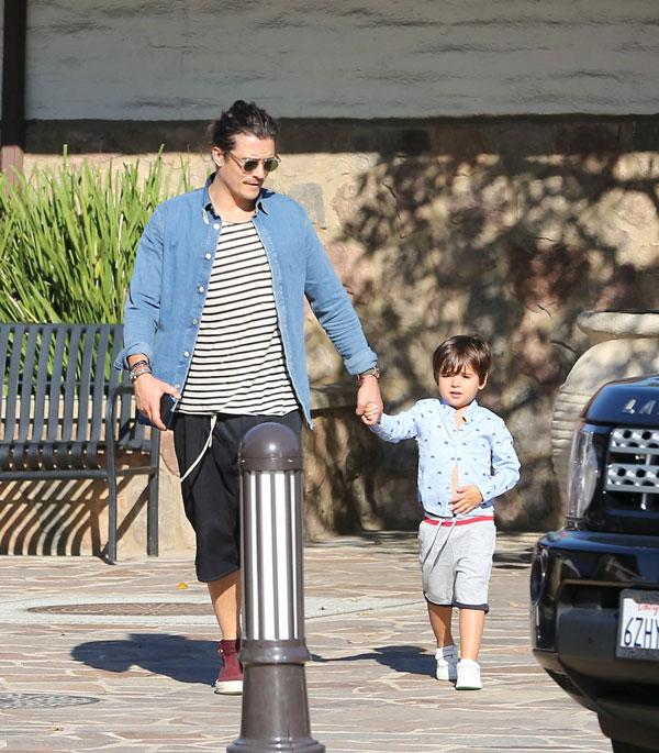 Su hijo Flynn, el 'refugio' de Orlando Bloom tras un largo viaje de trabajo