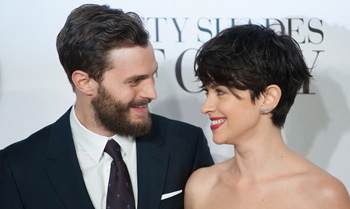 ¿Abandonará Jamie Dornan 'Cincuenta sombras de Grey' por su mujer?