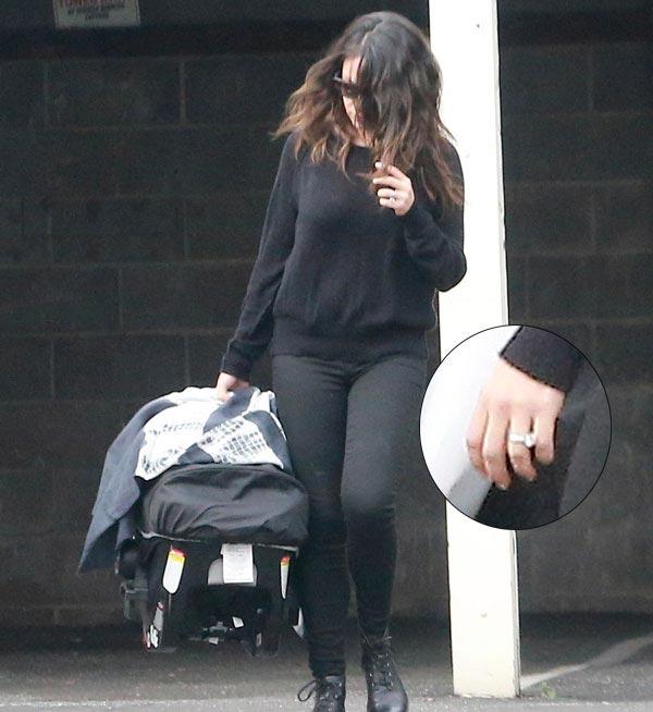 Mila Kunis confirma, sin querer, que se ha casado con Ashton Kutcher