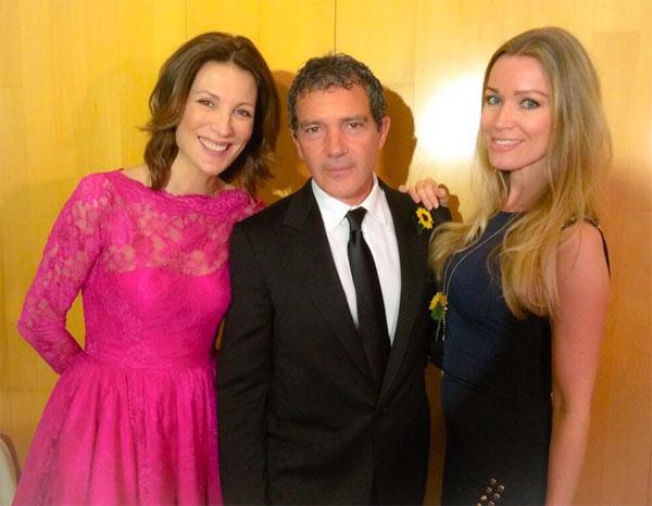 Antonio Banderas comienza sus vacaciones de Semana Santa en Málaga de gala con su novia Nicole Kimpel