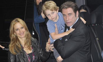Ben, el hijo de cuatro años de John Travolta y Kelly Preston, muestra su fuerte personalidad en directo