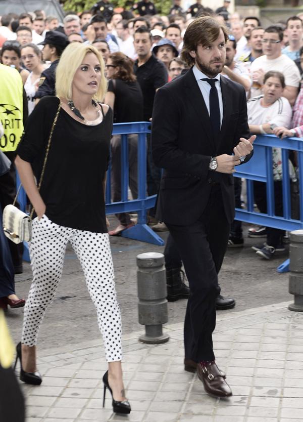 Amaia Salamanca y Rosauro Varo, dos futuros papás que 'sufren' en el Bernabéu