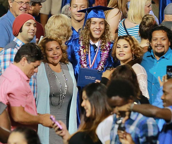 Sin rastro de Arnold Schwarzenegger en la graduación de su hijo, Joseph Baena
