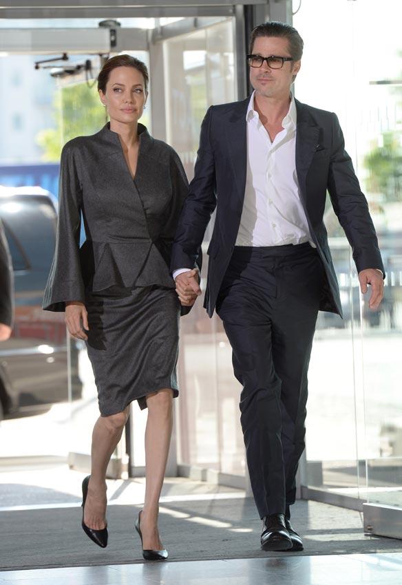 Angelina Jolie, Brad Pitt y sus hijos viajan en clase turista ante el asombro del resto de pasajeros