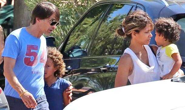 Ocho meses después... Halle Berry y Olivier Martínez reaparecen como una familia feliz