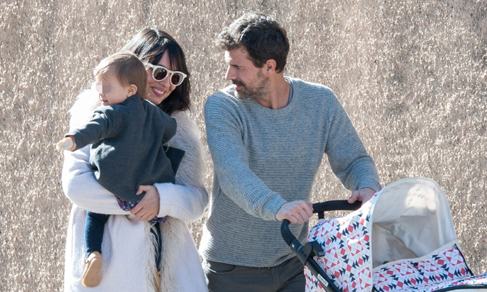 Rodolfo Sancho y Xenia Tostado, el paseo de una familia feliz