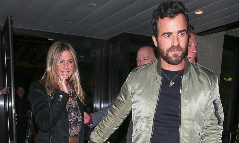 Jennifer Aniston y Justin Theroux, siempre de la mano a pesar de que se empeñan en separarlos