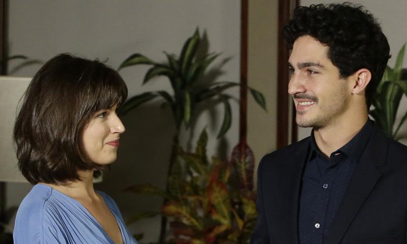 Úrsula Corberó y Chino Darín, miradas que lo dicen todo