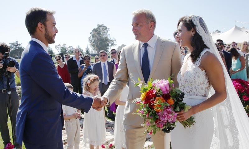 La boda con acento español de Annie Costner, la hija mayor de Kevin Costner
