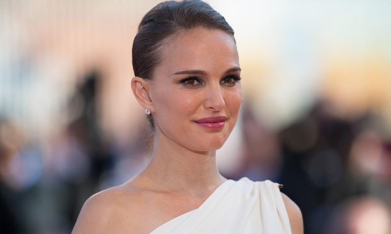 Natalie Portman confirma su embarazo sobre la alfombra roja