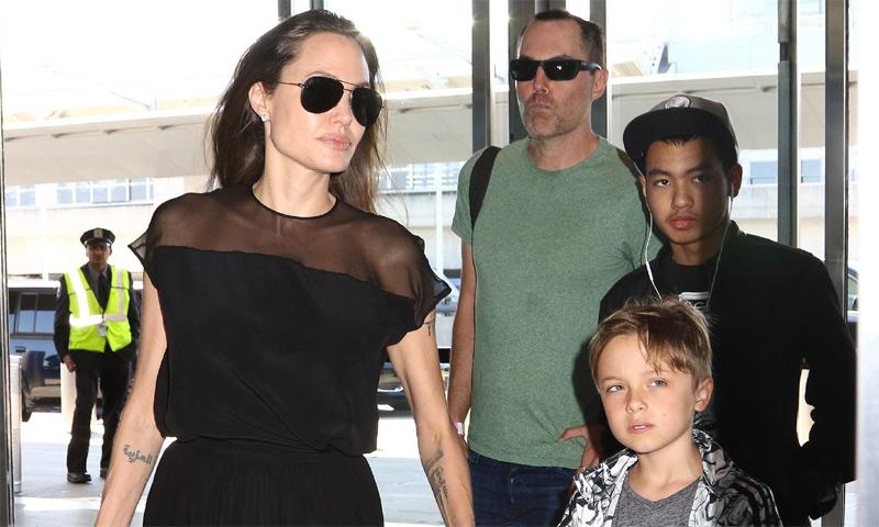 Angelina Jolie recluida con sus hijos y su hermano en Malibú