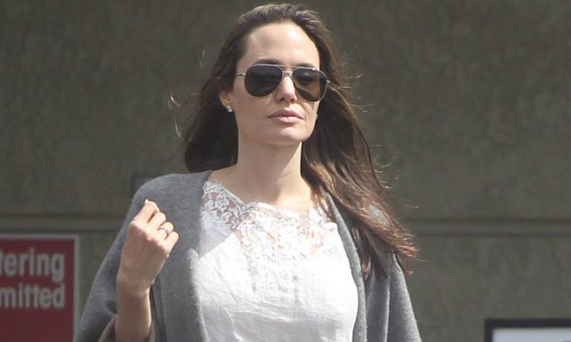 Angelina Jolie reaparece tras su separación después de un mes sin rastro de ella