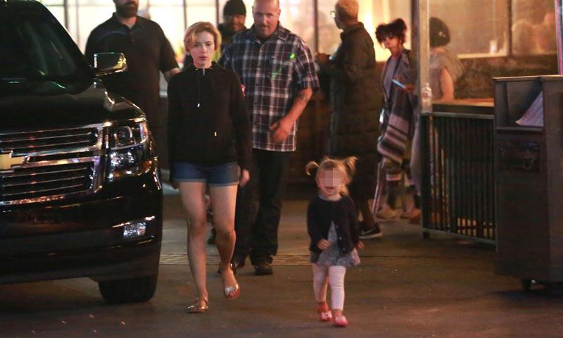 La hija de Scarlett Johansson le roba el protagonismo a su mamá en el set