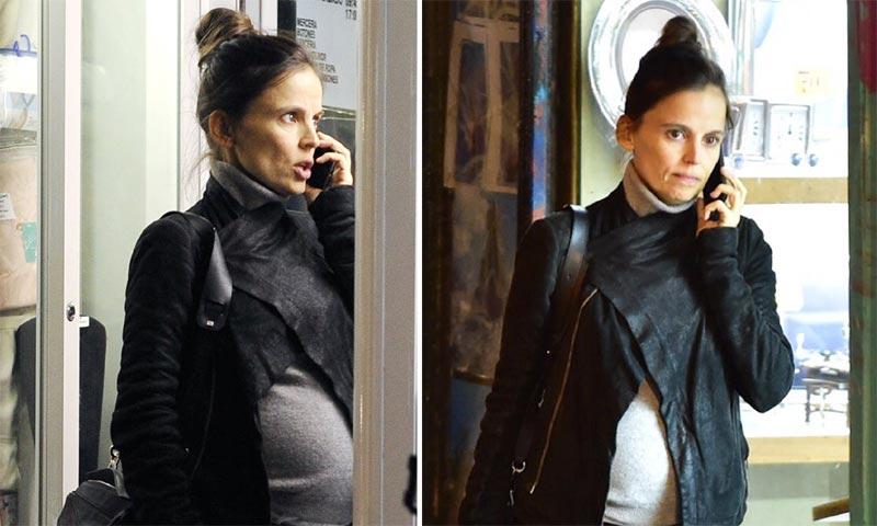 Elena Anaya, las imágenes de una futura mamá de compras