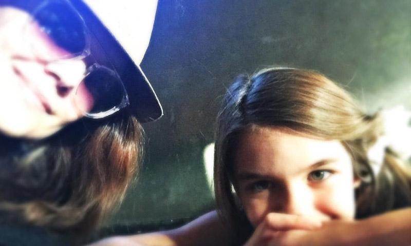 Katie Holmes celebra su 38 cumpleaños con sus dos amores: su hija Suri y…