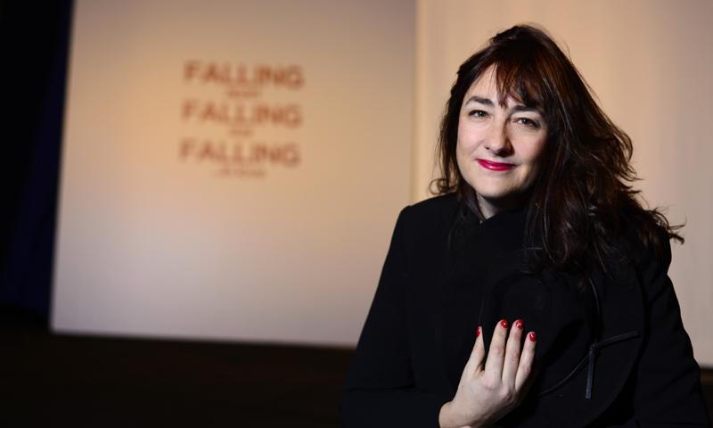 Entrevistamos a Ana Rodríguez, directora de 'Falling', el último trabajo de Emma Suárez, la actriz doblemente nominada a los Goya