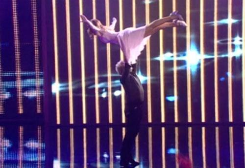 El salto a lo 'Dirty Dancing' de Cañizares y su mujer Mayte se lleva el oro en '¡A bailar!'