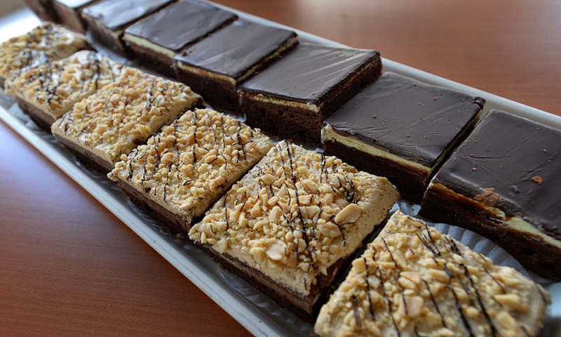 Sorprende a todos con un delicioso 'brownie' de nueces