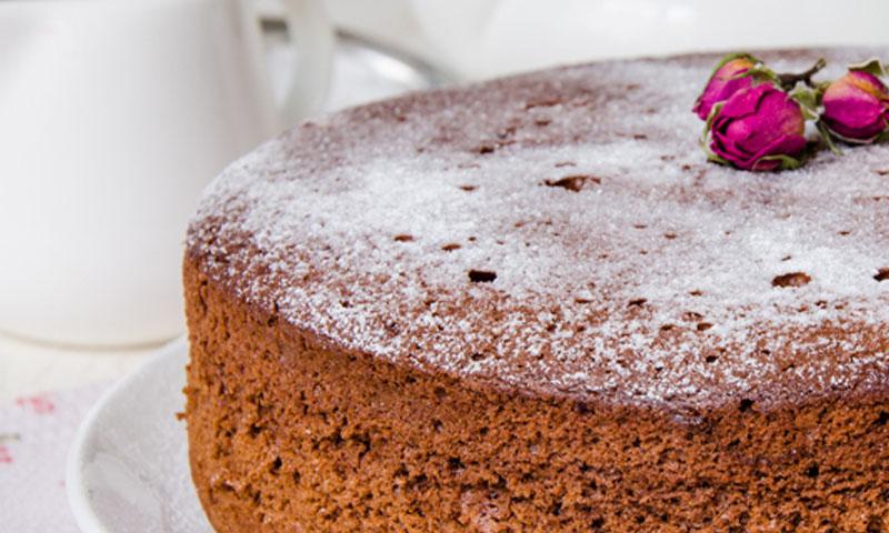 'La vie en rose': receta de bizcocho de chocolate y rosas