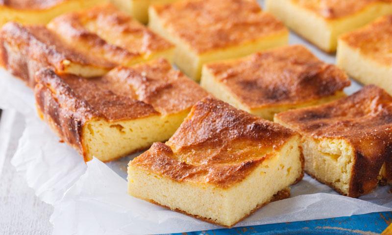 Deja absortos a tus invitados con esta tarta de queso al horno con requesón
