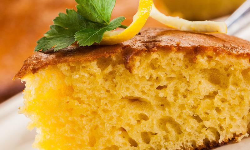 Bizcocho de limón en panificadora, una opción diferente y creativa