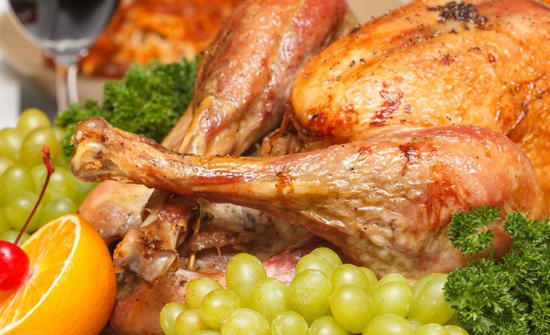 Pollo al horno con uvas y cítricos, ¡sorprende a tus comensales!