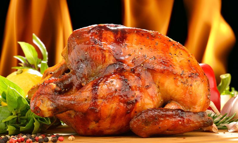 ¡Vuelta a la cocina tradicional! Pollo asado al horno de leña