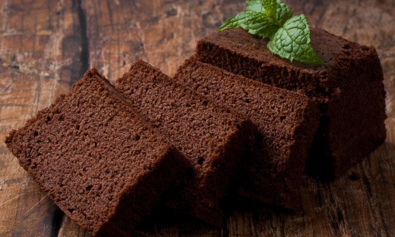 Cómo preparar un delicioso bizcocho de kéfir y chocolate