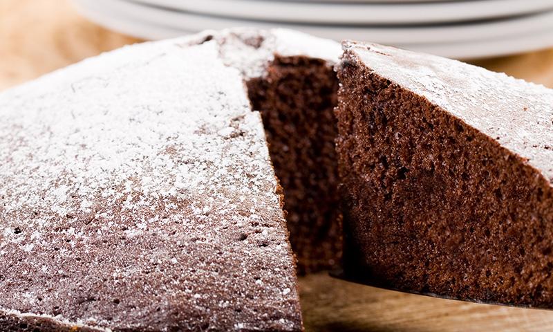 Repostería paso a paso: bizcocho de chocolate genovés