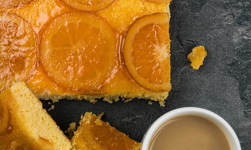 Bizcocho de naranja y jengibre: un toque original para tu repostería casera