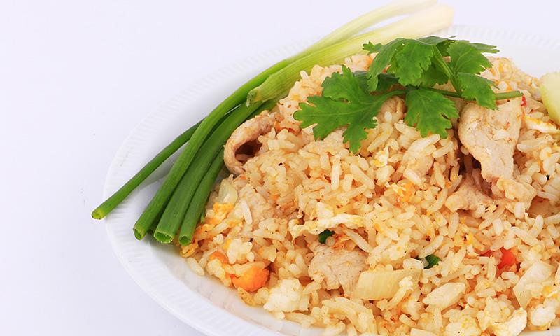 Cocina japonesa: arroz 'teriyaki' con pollo al estilo 'teppanyaki'