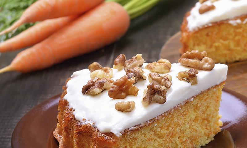 ¡Enamora a tus comensales! Bizcocho de zanahoria con pasas y nueces