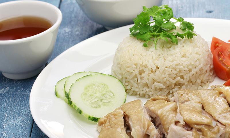 ¡Anímate con la cocina china! Pollo con arroz de Hainan